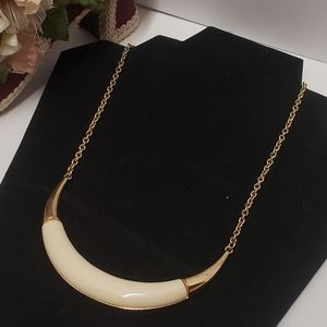 Unique Vintage Cream & Gold tone Necklace